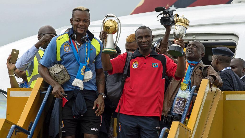 Les joueurs congolais à l'aéroport de Kinshasa, le 8 février 2016. © JUNIOR KANNAH / AFP